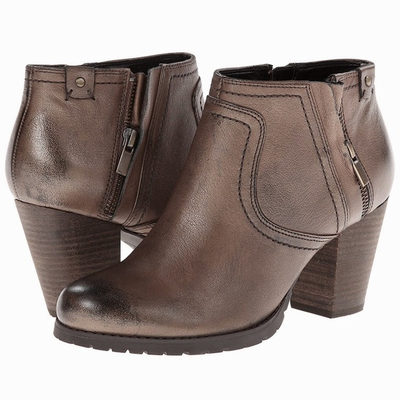 Gorgeous Clark's Mission Halle Leather Ankle Boots